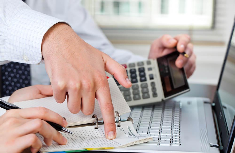 Единовременное пособие при выходе на пенсию облагается страховыми взносами