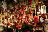 Новогодние украшения и подарки списать в расходы могут не все