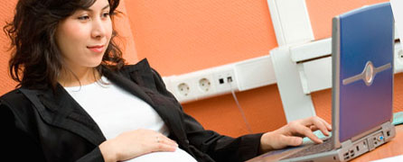Устроить беременную на работу