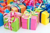 Работодатель дарит подарки: что с НДФЛ и взносами?