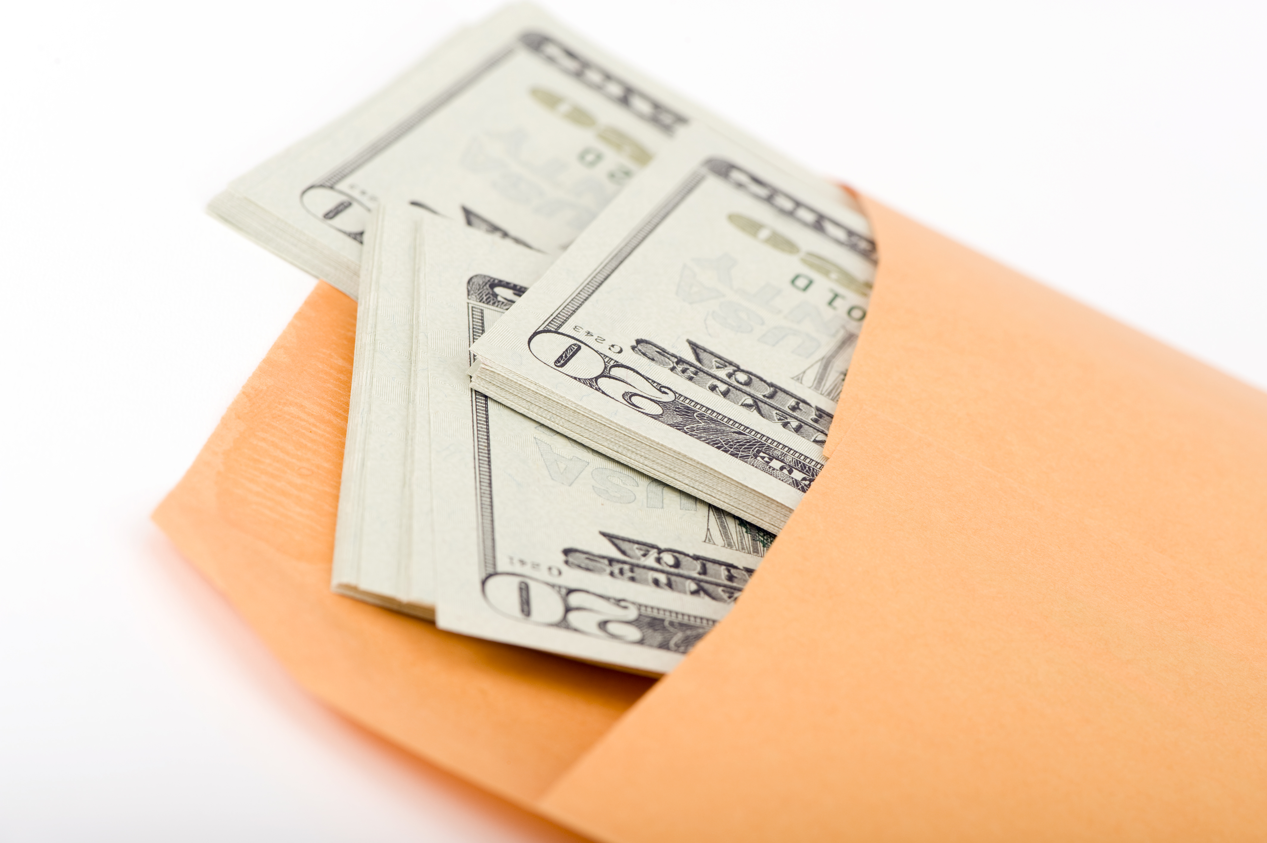 Очередность платежей или Можно ли выплатить зарплату с заблокированного счета